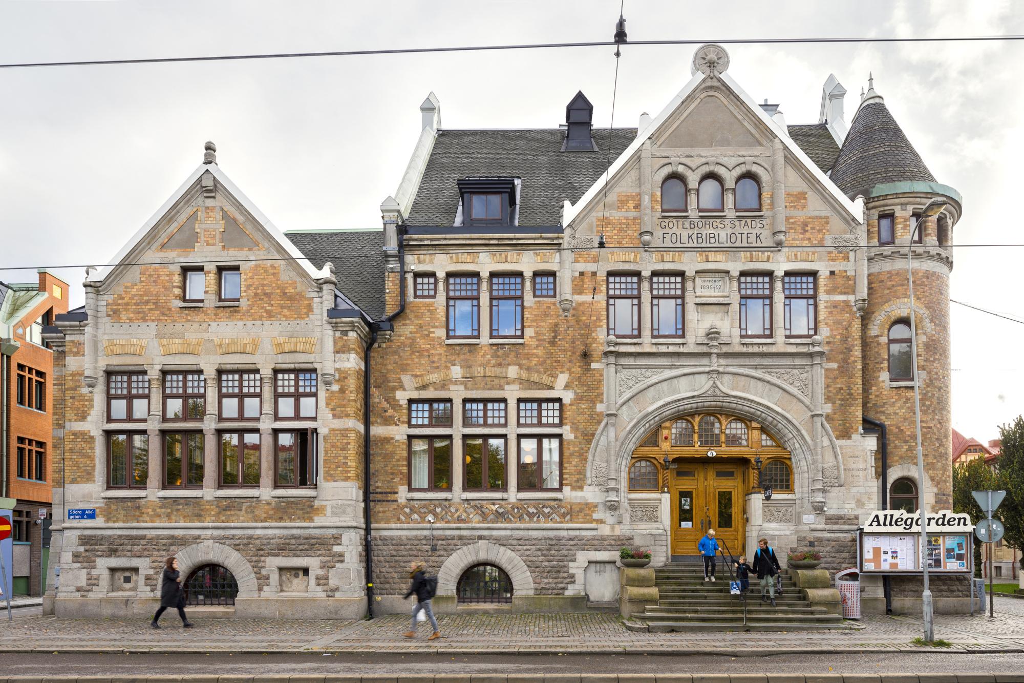 Exteriörbild på Allégården och dess entré från Södra Allégatan
