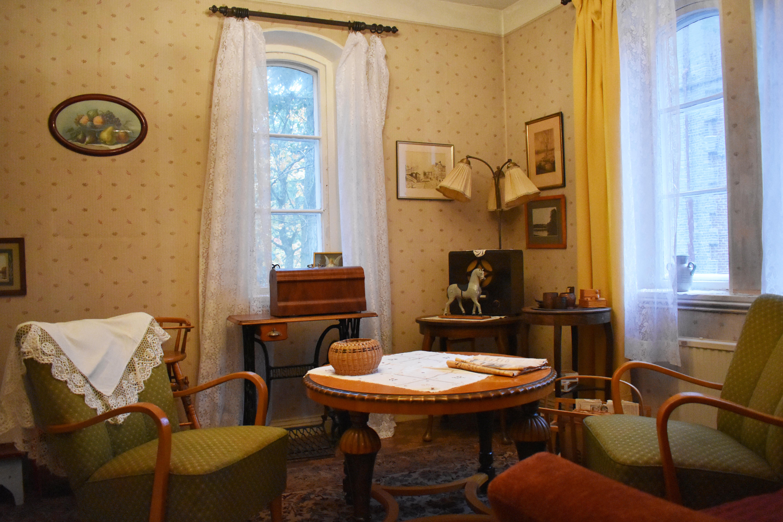 Interiörbild från ett av rummen i Annedalshusets lägenhetsmuseum