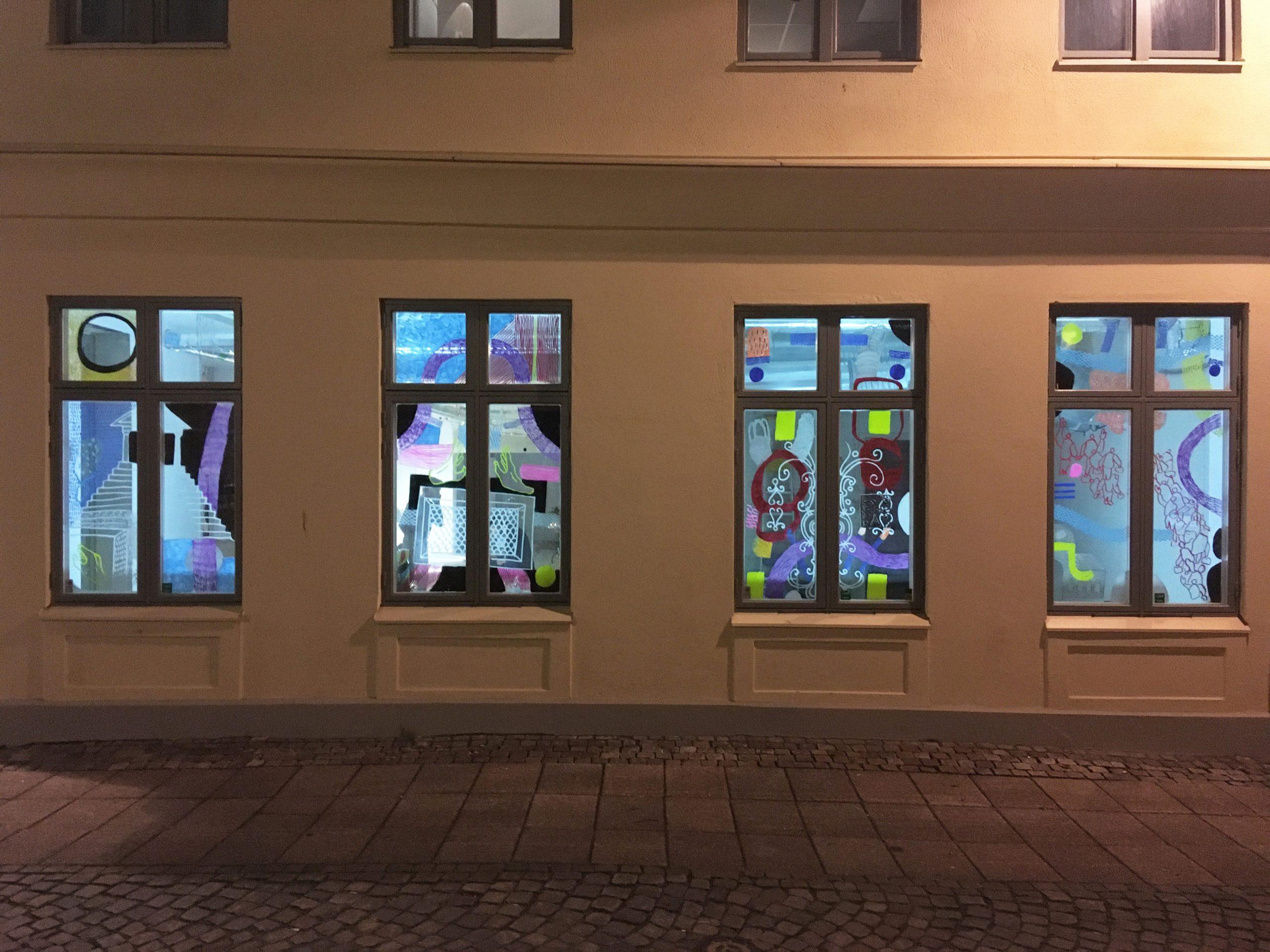 Fönstermålningar på Postgatan 31.