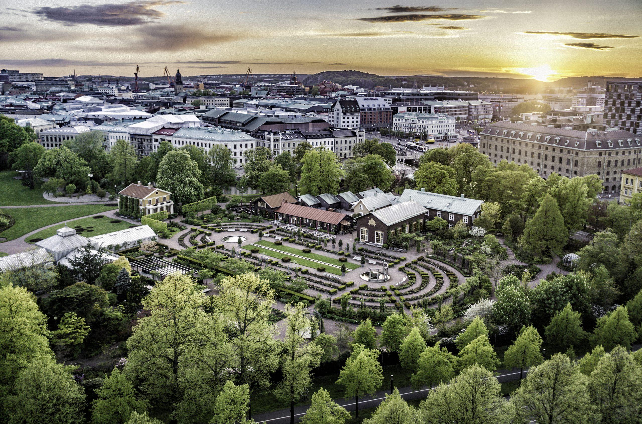 Vy över Trädgårdsföreningen och Göteborgs innerstad.