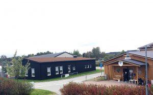 Trähus i Kretsloppsparken Alelyckan.