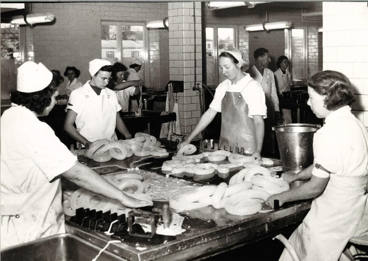 Personal på KA Lundgrens tarmrenseri år 1955