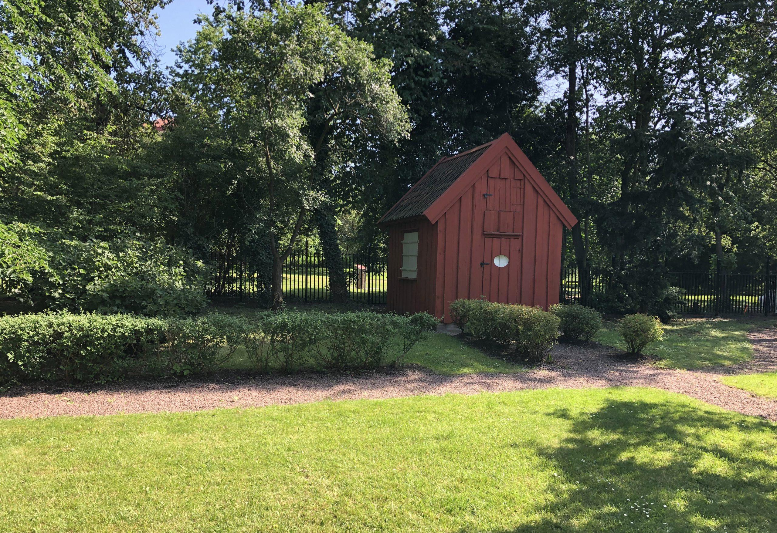 Det röda lusthuset i Gathenhielmska trädgården