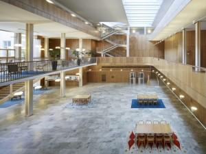 Utsikt över det stora öppna rummet i Rådhuset.