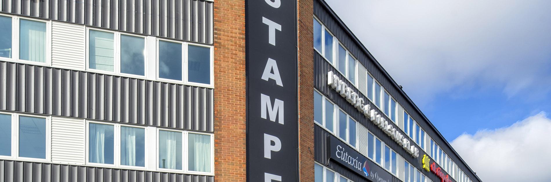 Fasaden på Hantverkshuset Stampen.